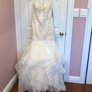 Oleg Cassini wedding gown Size 2